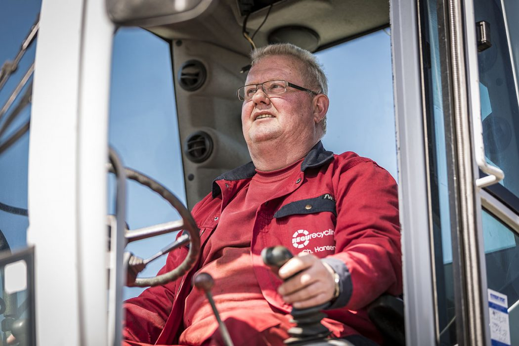 Werbefotografie Portrait Mann Arbeiter Baggerfahrer