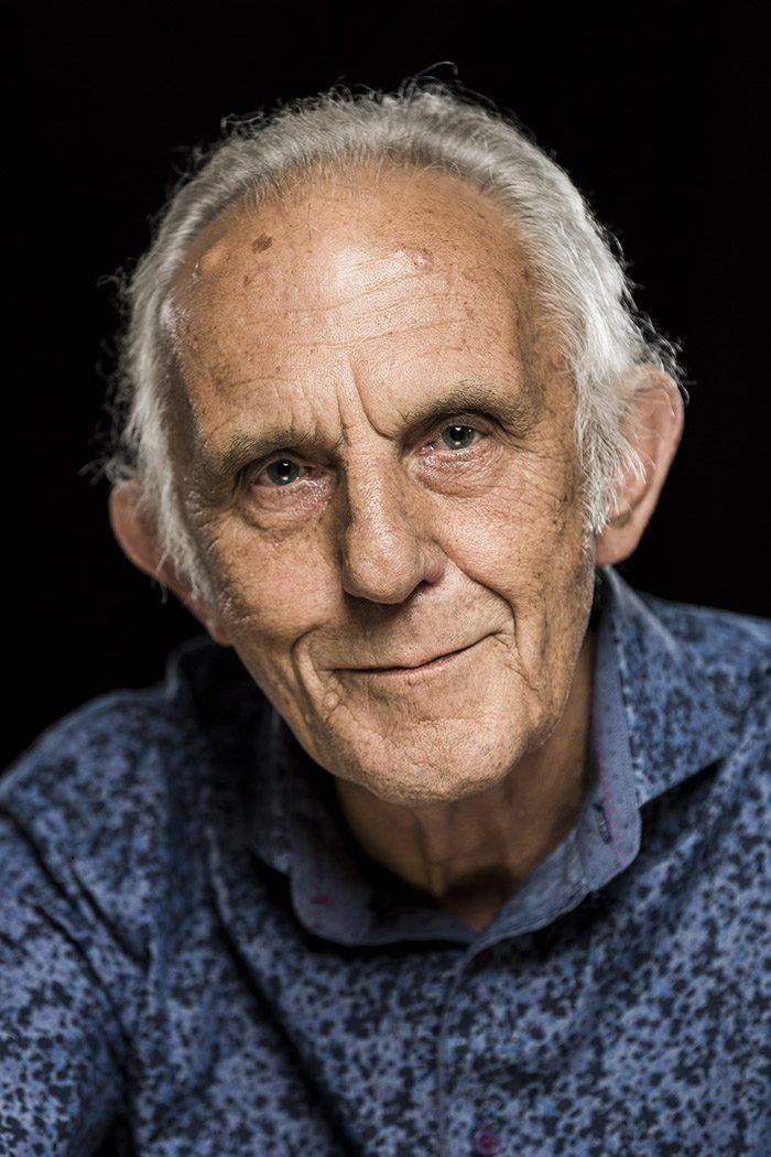 Portrait von Musiker Colin Hodgkinson